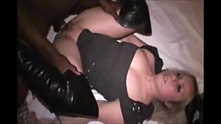 Hot wife gets a BBC in a swing club